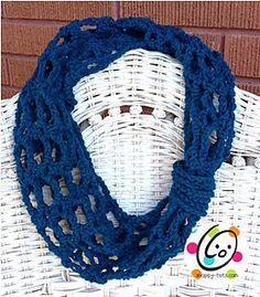 A super quick and easy longer cowl (short infinity scarf) made from a fun stitch combination. Tutorial ༺✿Teresa Restegui http://www.pinterest.com/teretegui/✿༻