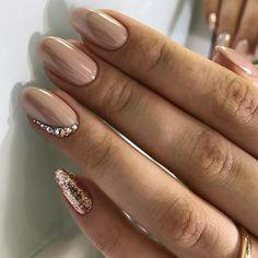 18 klassische Nageldesigns, Ongles Manicure , Nagel Design Source by madamefrisuren Hot Nails, Nude Nails, Nail Manicure, Hair And Nails, Coffin Nails, Gorgeous Nails, Pretty Nails, Diy Ongles, Champagne Nails