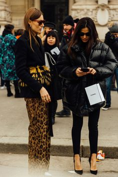 Lost in Paris. Street Style Paris Haute Couture SS17