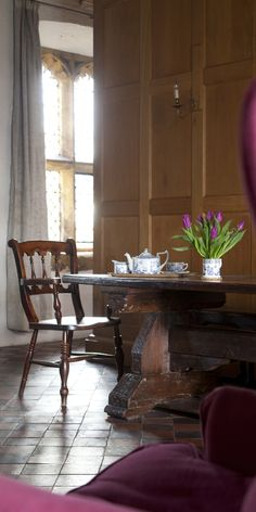 The Gatehouse has only one room, a very fine one on the first floor.