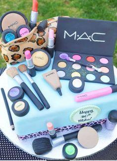 I love this birthday cake!!