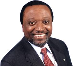 Alan Keyes ~ As the author of the 5000 year leap said, he was the perfect candidate for president ~ too bad people didn't listen. I was lucky enough to get to meet and talk with him a couple of times ~  Google Image Result for http://politicsforlife.files.wordpress.com/2010/05/alan-keyes-hs.jpg