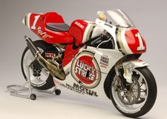 Suzuki RGV 500 Γ K.Schwantz 1994 by Utage Factory House