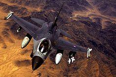 F-16 Fighting Falcon | De F-16 Fighting Falcon is een eenmotorige multifunctionele straaljager die sinds 1979 veel gebruikt wordt. In onder andere Nederland en België was het de opvolger van de F-104 Starfighter. In Nederland werd tevens de F-5 door de F-16 vervangen. Het toestel is ontworpen door General Dynamics. De fabriek van General Dynamics is overgenomen door Lockheed Martin.