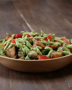 Roasted Veggie Salad With Avocado Dressing Recipe by Tasty Impress Your Dinner Guests With This Roasted Veggie Salad Vegetable Recipes, Vegetarian Recipes, Cooking Recipes, Healthy Recipes, Vegetable Salad, Healthy Dinners, Avocado Dressing, Lime Dressing, Avocado Vinaigrette