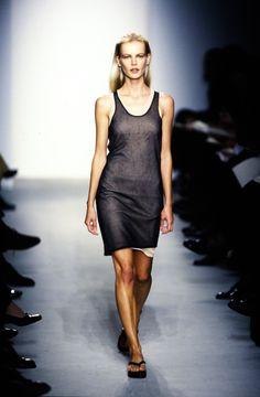 Calvin Klein Collection Spring 1997 Ready-to-Wear Fashion Show - Emma Balfour
