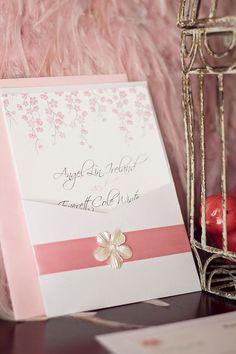 満開の桜が可愛く描かれたおしゃれな招待状❤︎参考にしたい春の結婚式の招待状一覧♪