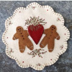 Ginger & Spice Pattern 2019 Ginger & Spice is a wool applique mat that finishes approx. Penny Rug Patterns, Wool Applique Patterns, Felt Applique, Print Patterns, Felted Wool Crafts, Felt Crafts, Wool Quilts, Wool Embroidery, Embroidery Designs