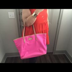🎀Pink Kate Spade Handbag🎀 Pink Kate Spade Handbag! In EXCELLENT condition 🎀 hate to let this bag go, it's one of my favorites! Just needing to sell some of my handbag collection! kate spade Bags