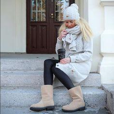 Have a nice week ❤️ #outfit #ootd #pura #cardigan #beanie #leatherleggings #coffee #autumn #putiikkirannalla