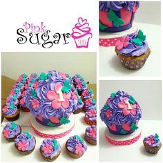 P240 Megacupcake  y cupcakes mariposas Felicidades y muchas bendiciones.... pinksugar#pinksugar #cupcakes  #barranquilla #pasteleria #reposteriacreativa #tortas #fondant #reposteriabarranquilla #happybirthday  #vainilla  #cake #baking  #galletas #cookies  #buttercream #vainilla  #oreo  #cupcakesbarranquilla #brownie #brownies #chocolate #rosecake #bigcupcake #butterfly