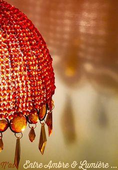 De l'ambre à la lumière