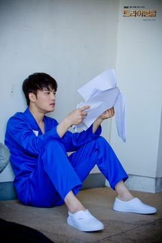 140609 MBC Triangle Gallery: Heo YoungDal The lonely prisoner with a clean look, send him letters!!!