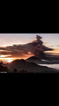 Mt Agung, Bali erupting in November 2017