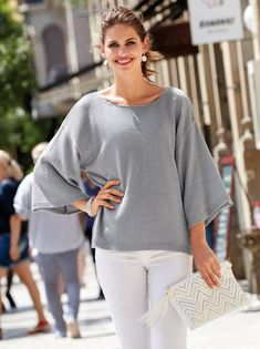 Bell Sleeves, Bell Sleeve Top, Pulls, Versace, White Jeans, Tops, Women, Fashion, Vestidos
