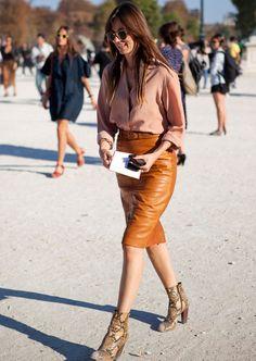 0ef08b9ea 10 melhores imagens de Saia de couro Caramelo   Leather, Outfits e ...