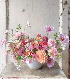 Wedding Table Centerpieces, Floral Centerpieces, Floral Arrangements, September Flowers, Deco Floral, Floral Design, Flower Patch, Bridal Flowers, Garden Styles