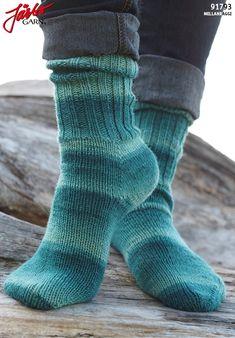 _raggsokk med fleegle hæl,fin for nybegynnere + video Crochet Pattern, Free Pattern, Knitting Patterns, Knit Crochet, Drops Design, Slipper Socks, Slippers, Drops Baby, Socks And Heels