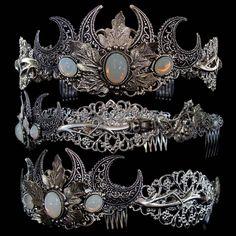 Crown Aesthetic, Princess Aesthetic, Moon Goddess, Triple Goddess, Godess Costume, Black Fairy, Armadura Medieval, Fantasy Gowns, Triple Moon