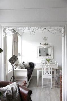 Jeanne-d-Arc-Fenster-Fries-Fensterfries-vintage-shabby-chic-antique-metall-weiss für 119 Euro