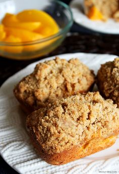 Mini Peach Cobbler Loaves (Joy the Baker& Peach Cobbler Muffin recipe) Loaf Recipes, Muffin Recipes, Cake Recipes, Dessert Recipes, Epicure Recipes, Mini Loaf Cakes, Mini Bread Loaves, Mini Tortillas, Funnel Cakes
