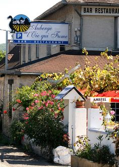 The Auberge of the Goose who Smokes...France
