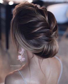Tonyastylist Long Wedding Hairstyles and Wedding Updos beautiful hair styles for wedding 20 Drop-Dead Bridal Updo Hairstyles Ideas from Tonyastylist Short Wedding Hair, Wedding Hairstyles For Long Hair, Wedding Hair And Makeup, Wedding Updo, Easy Hairstyles, Bridal Hairstyles, Evening Hairstyles, Wedding Bridesmaids, Hairstyle Ideas