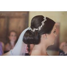 Delicate touch of our #MariaElenaHeadpieces Headpiece of our beautiful #Bride