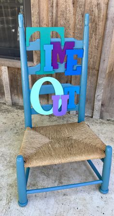 Time out chair Done, I can think of a lot of brats to give it too! Funky Painted Furniture, Kids Furniture, Time Out Chair, Painted Stools, Toddler Discipline, Diy Chair, Furniture Makeover, Making Ideas, Wood Crafts