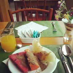 Café da manhã mara em Gramado. #frutas #cafedamanha #morningcoffee