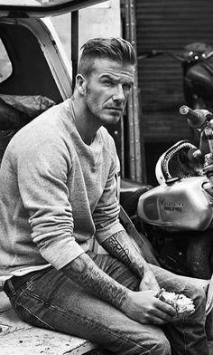 Beckham♥ – This man cannot be human! No human is this gorgeous! Beckham♥ – This man cannot be human! No human is this gorgeous! David Beckham Style, David Beckham Haircut, Celebridades Fashion, Bend It Like Beckham, Men Street, My Guy, Haircuts For Men, Stylish Men, Gorgeous Men