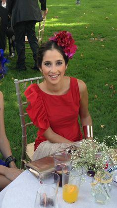 Cómo lucir espléndida en una boda campestre.