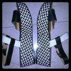 Zara knitted flatforms , leather & synth , Black and white leather straps insole & sole, the platform has a great work and is synthetic , super comfy and fashionable worn 2 times , great condition. Zara Shoes Platforms