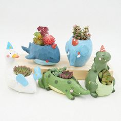 Resin Creative Succulent Plants Pots Animals Mini Flower Pot Decorative Desktop Nursery Pot Garden Supplies Home Decoration by MsDIYSupplies on EtsyIt's a garden party! These cute party hat wearing animal planters are the life of the party. Small Succulents, Succulent Pots, Planting Succulents, Potted Plants, Planting Flowers, Mini Plants, Mini Vasos, Decorated Flower Pots, Flower Pot Crafts
