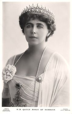The Romanian Massin Tiara. Queen Marie of Romania, taken about During WWI the Romanian jewels were placed in a Moscow bank for safekeeping. They were subsequently seized by the Bolsheviks, and never seen again. Romanian Royal Family, Lily Elsie, Royal Tiaras, Royal Jewelry, Jewellery, Queen Mary, Kaiser, Crown Jewels, Queen Victoria