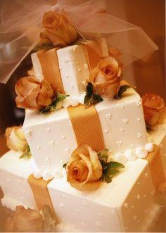 アグネス ホテル アンド アパートメンツ 東京|結婚式場写真「「世界にひとつだけのケーキを」。オーダーメイドのウエディングケーキも可能」 【みんなのウェディング】