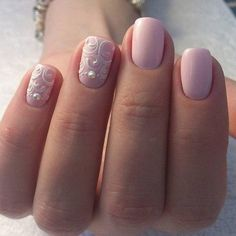 Accurate nails, Beautiful delicate nails, Beautiful nails 2016, Nails ideas 2016, Nails wih pearls, Nails with curls, Pale nails 2016, Pale pink nails