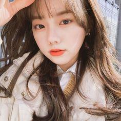 Ulzzang Korean Girl, Cute Korean Girl, Beautiful Asian Girls, Pretty Girls, Beautiful Women, Korean Makeup Look, Cabello Hair, Wattpad, K Idol