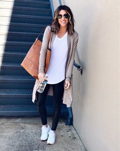 Thesisterstudioig cardigan comfy casualfashion casual outfitoftheday source by iamjulez athleisure outfits Athleisure Outfits, Sporty Outfits, Casual Fall Outfits, Fall Winter Outfits, Leggings Outfit Summer Casual, Cute Legging Outfits, Casual Sunday Outfit, Black Leggings Outfit, Leggings Style