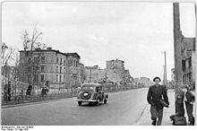 Ruinen an der Stalinallee 1950