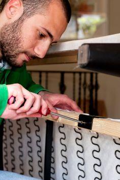 הריפוד התבלה? נוצרו קרעים? תיקון ספות עם צוות מיומן ומקצועי במחירים משתלמים. חברתנו עובדת עם מכשור חדיש ושיטות מודרניות בתחום חידוש, תיקון ושיחזור ספות. Fitbit, Fashion, Moda, Fashion Styles, Fasion