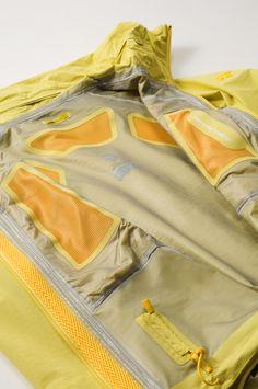 Mesh interior panels of Descente All Terrain Inner Surface Technology hooded jacket
