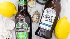 Prajitura cu iaurt si caise • Bucatar Maniac • Blog culinar cu retete Ginger Beer, Sauce Bottle, Soy Sauce, Blog, Blogging, Ginger Ale