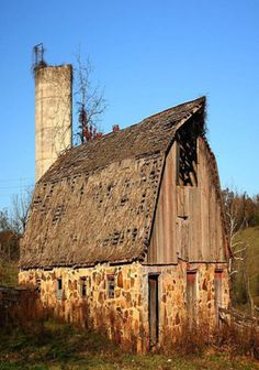 Stone & Wood Barn...I usually do not pin without some information such as location..But this image was so compelling.