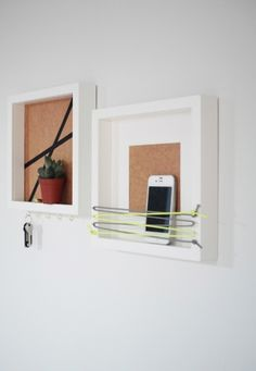 DIY | Zwei schnelle Schlüsselbretter | Use a deep frame to hang on keys and store your cell phone. Good idea would be to hang the keys INSIDE so you can just change the back when its dirty... hej.de