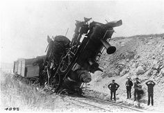 Like Watching a Train Wreck: Democrats' Impeachment Case Crumbles Before Them Jorge Martinez, Train Miniature, Railroad History, Old Trains, Train Pictures, Model Train Layouts, Le Far West, Steam Engine, Steam Locomotive