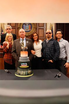 300 SVUs    On September 17, the cast of Law & Order: Special Victims Unit (Richard Belzer, Kelli Giddish, Dann Florek, Mariska Hargitay, Ice-T and Danny Pino) celebrated their 300th episode.