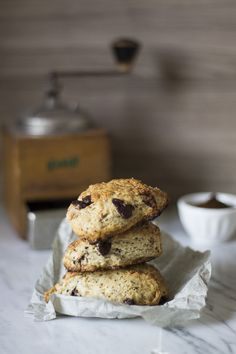 Scones al cioccolato e caffè - dark chocolate espresso scones