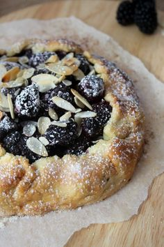 A deliciously rustic blackberry and almond galette. Light, crumbly pastry packed full of almonds and seasonal blackberries. A perfect warming treat for Autumn. Easy Desserts, Dessert Recipes, French Desserts, Gallette Recipe, Blackberry Dessert, Eat Dessert First, Almond Recipes, Vegan Sweets, Sweet Recipes