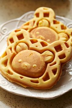 These look so yummy! I hope they're the kind of waffles that are sweet enough to eat alone. Cute Food, Good Food, Yummy Food, Cute Desserts, Dessert Recipes, Comida Disney, Kawaii Dessert, Food Porn, Little Lunch